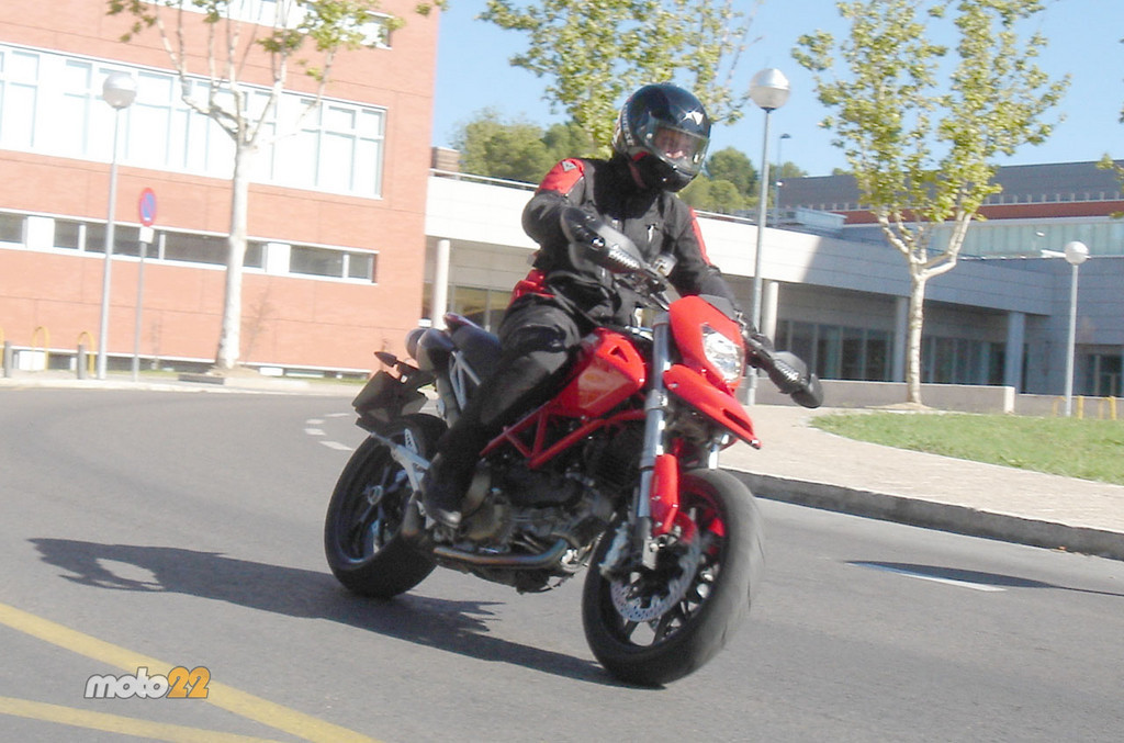 Foto de Prueba Ducati Hypermotard (13/13)