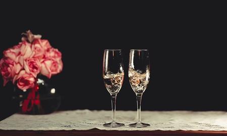 Todos los gadgets que necesitas para una cena romántica en San Valentín: desde luces inteligentes a tazas que mantienen la temperatura del café