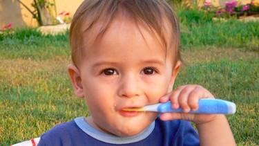 Cómo animarles a lavarse los dientes