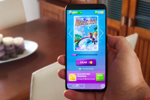 Probamos Gameloft Classics: un pack de 30 juegos retro en 'modo recreativa' con un extraño y costoso sistema de pago