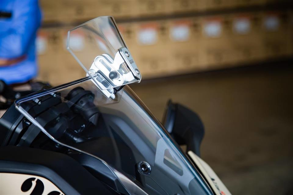 Foto de Yamaha Niken Turbo (6/10)