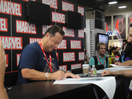 San Diego Comic Con 2011 Chief Creative Officer Joe Quesada Signs For Fans Marvel Booth 5976788787
