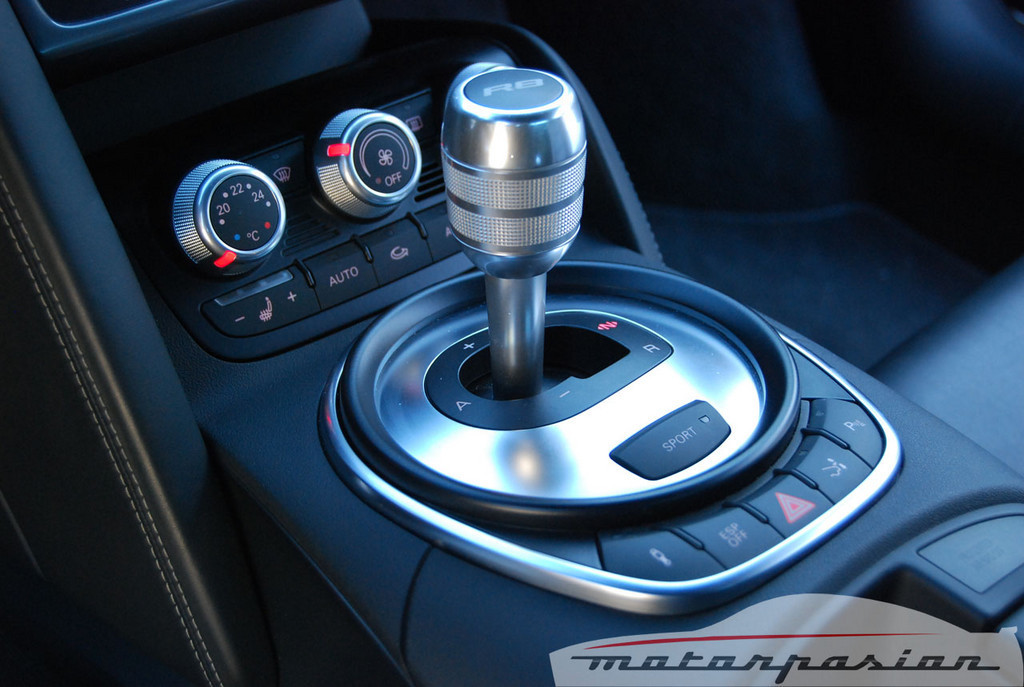 Foto de Audi R8 4.2 FSI R tronic (prueba) (41/50)