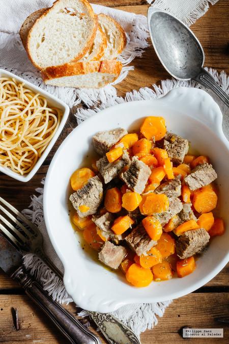 Guiso de carne de res con zanahorias. Receta fácil de carne