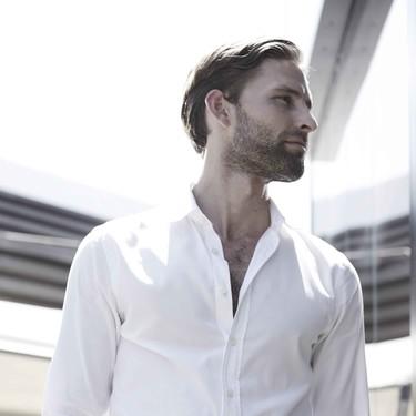 Llega una edición más del Pitti Uomo y los hombres con estilo apuestan por la camisa blanca
