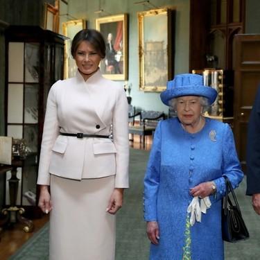 Estos son los tres broches que Isabel II lució durante la visita de Donald Trump al Reino Unido (y de los que todo el mundo habla)
