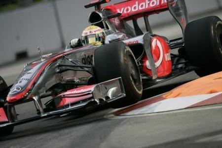 Una bandera roja le regala la pole a Lewis Hamilton