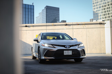 Toyota Camry Hybrid 2021 Prueba De Manejo Opiniones 47