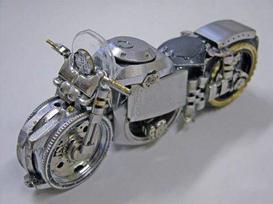 Foto de Motos hechas con relojes (12/25)