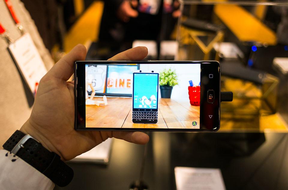 Blackberry Motion Pantalla
