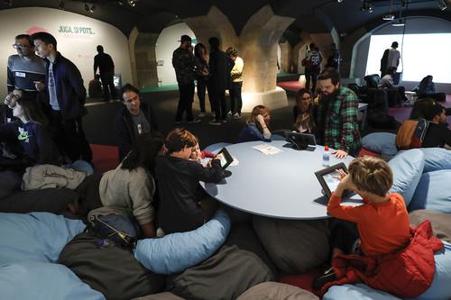 """""""Hay que demostrar lo plural que es realmente el mundo del videojuego"""". Entrevista a los comisarios de la sala Zooom en el CCCB de Barcelona"""