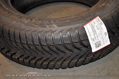 Neumático de invierno nuevo