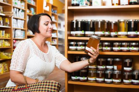 El Gobierno presentará un real decreto para regular el etiquetado de la miel (y acabar con uno de los fraudes más extendidos)