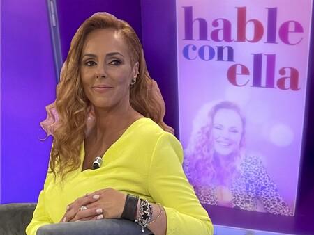 'Hable con ella': Así es el nuevo puesto de trabajo de Rocío Carrasco en 'Sálvame' al más puro estilo Mari Tere Campos