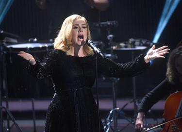 """11 razones por las que """"25"""" de Adele es el álbum más vendido del 2015"""