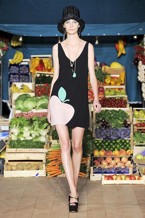 Foto de Moschino Cheap and Chic Primavera-Verano 2012 (8/28)