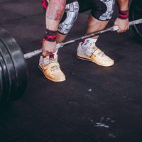 Tres consejos para evitar el dolor de espalda al hacer peso muerto