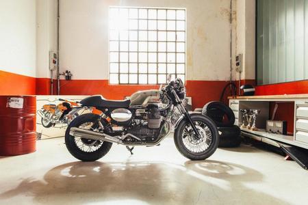 Moto Guzzi V7 Custom Kit Cafe Racer