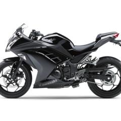 kawasaki-ninja-250r-2013-cambio-radical-para-la-mas-pequena-de-la-familia