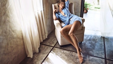 Gisele Bündchen mola mucho vestida de H&M. ¡Mucho!