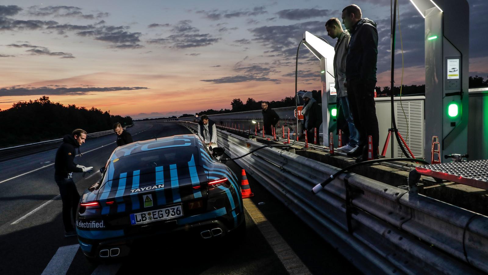 Foto de Porsche Taycan (21/21)