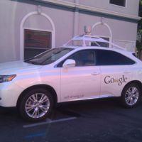 Google está contratando conductores para que NO manejen sus carros autónomos