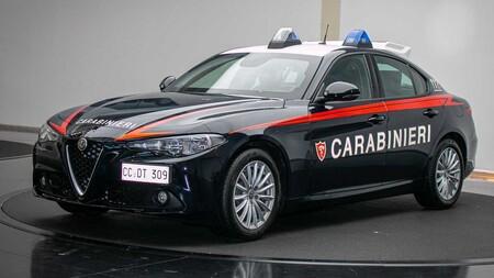 Alfa Romoe Giulia Policia Italiana 6