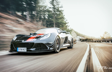 Pilotamos el Lotus Exige 380 Sport: 380 CV para 1.076 kilos de pureza automovilística