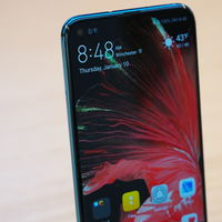 Huawei Nova 4, primeras impresiones: decididamente, la pantalla agujereada convence más que el 'notch'