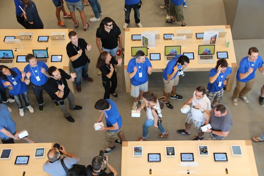 Foto de Inauguración de la Apple Store del paseo de Gracia (25/27)