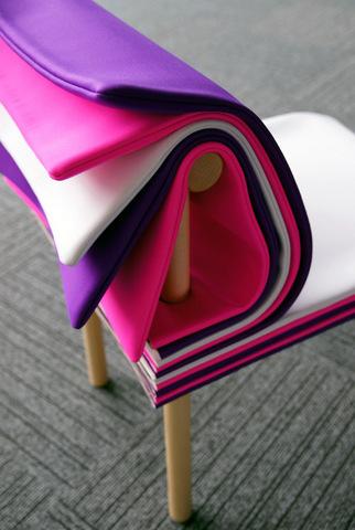 silla con páginas