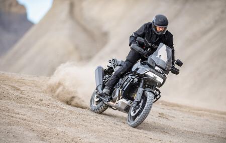La rocambolesca Harley-Davidson Pan America 1250 se planta en el segmento de las trail con 150 CV y desde 16.990 euros