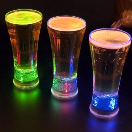 Vasos con LEDs para bebidas alegres