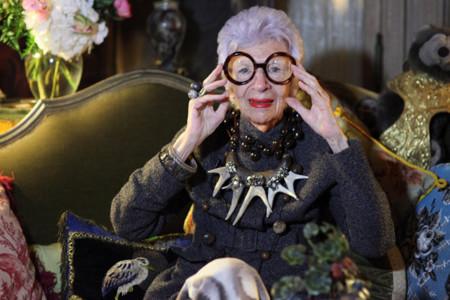 Iris Apfel, la pintoresca nonagenaria de la que todo el mundo habla