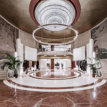 Zara reabre el tiendón de Vittorio Emanuele en Milán apostando por el online con una máquina que despacha hasta 900 pedidos al día