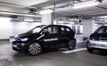 El problema de aparcar ya lo tiene solucionado la tecnología: repasamos los principales sistemas