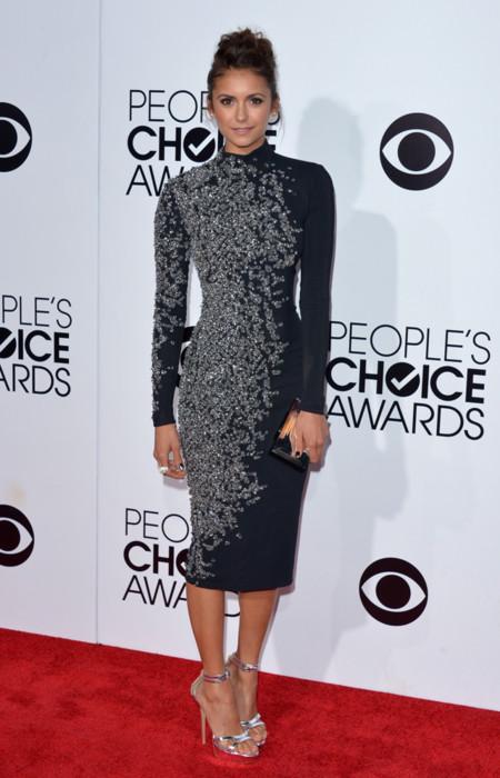 Peoples Choice Awards 2014 tendencias en vestidos de fiesta Nina Dobrev Jenny Packham negro con apliques
