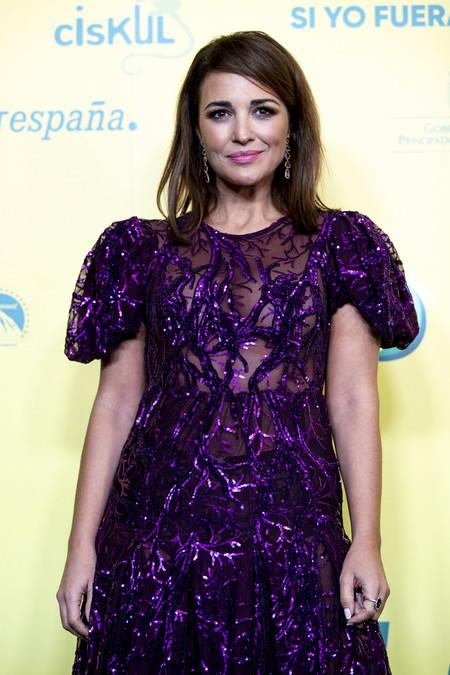 """Paula Echevarría luce el vestido de fiesta perfecto para esta Navidad en la premiere """"Si yo fuera rico"""""""