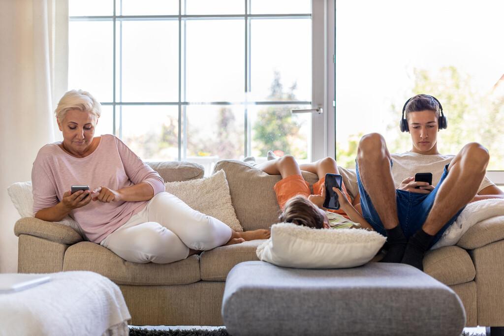Demasiado tiempo con el móvil, viendo televisión u otras actividades sedentarias aumenta el riesgo de accidente cerebrovascular
