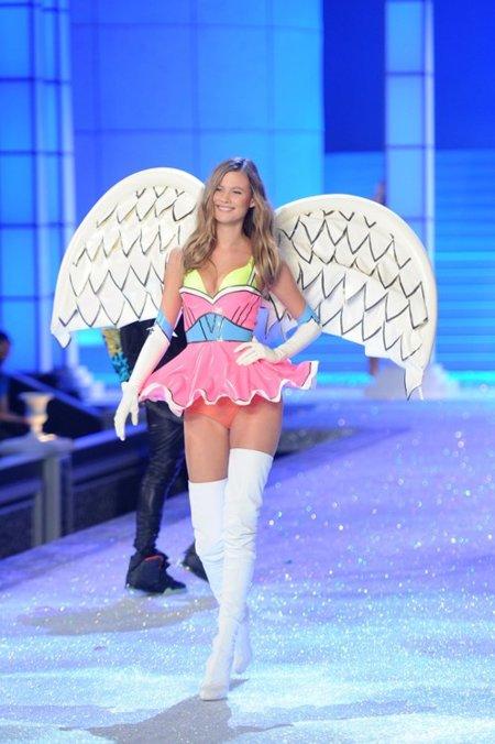 Behati Prinsloo Fashion show