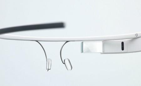 Un video tutorial para usar Google Glass nos muestra un poco más cómo utilizarlo