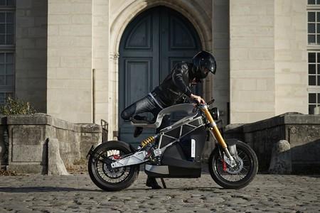 E-raw, una moto eléctrica francesa que lucha por un pedazo de la tarta con un precio de 29.000 euros
