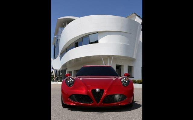 Foto de Alfa Romeo 4C llegará a México en 2014 (2/21)