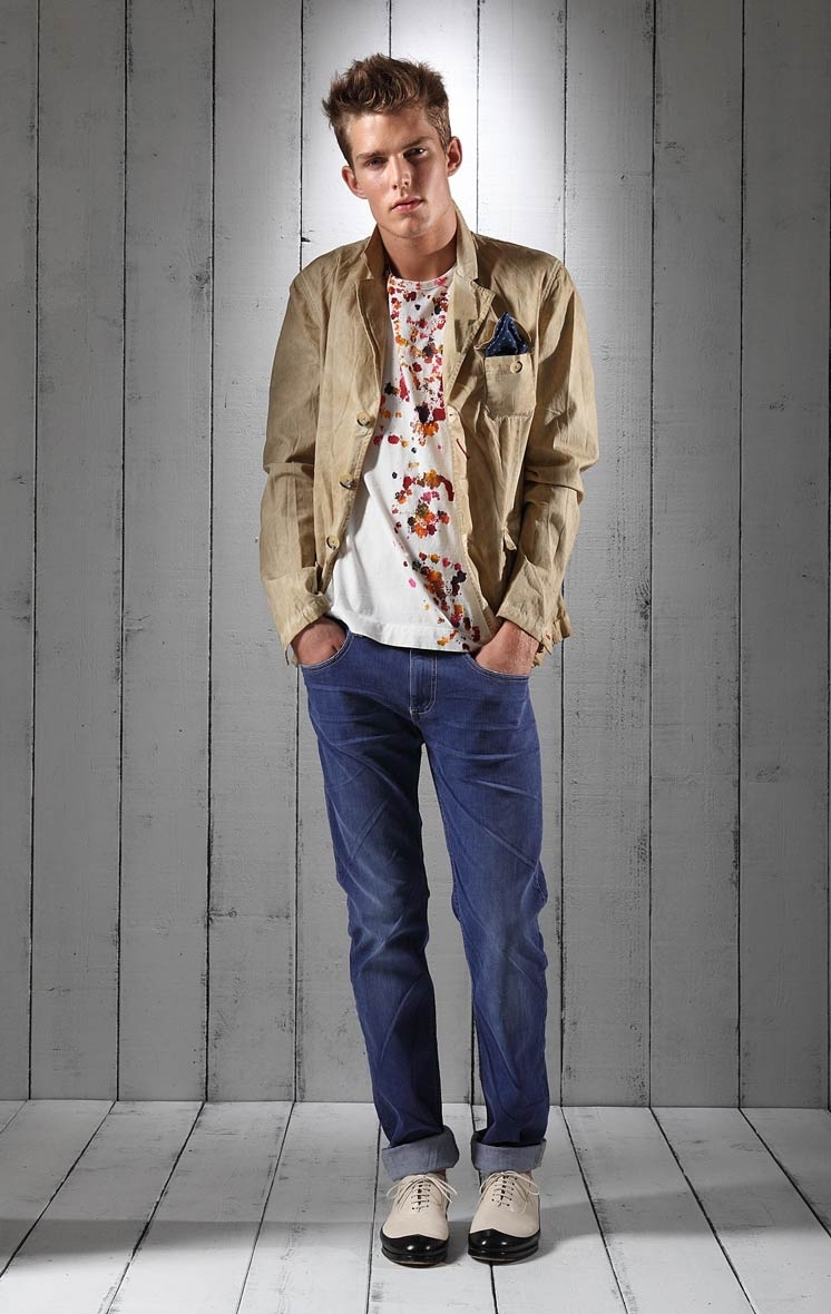 Foto de Lookbook primaveral: Love Moschino Men Primavera-Verano 2011 (23/23)