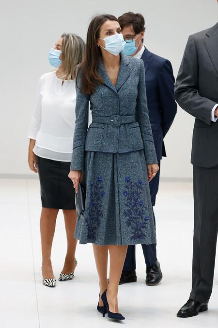 Doña Letizia de traje look 2020