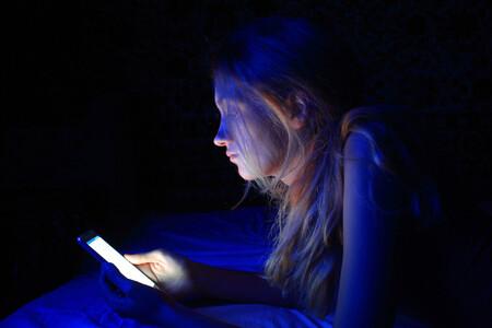 Sueño y rendimiento escolar en adolescentes: claves para que descansen mejor y aprendan más