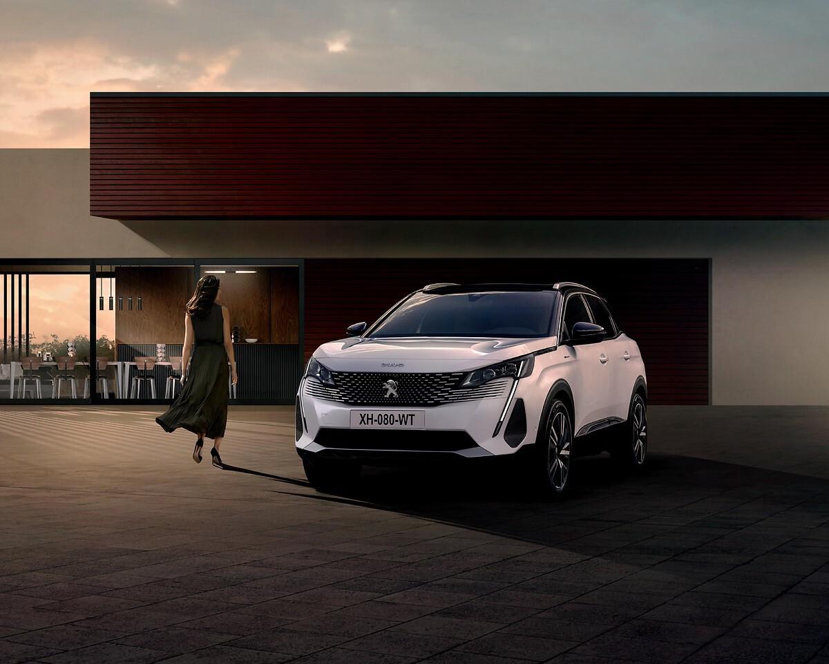 Foto de Peugeot 3008 Hybrid 300 2020 (4/6)