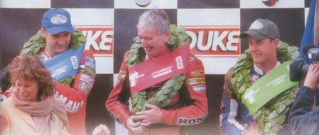 Joey Dunlop Podio TT 2000