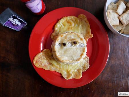 La maldición de Tutancamembert: receta de queso al horno para Halloween