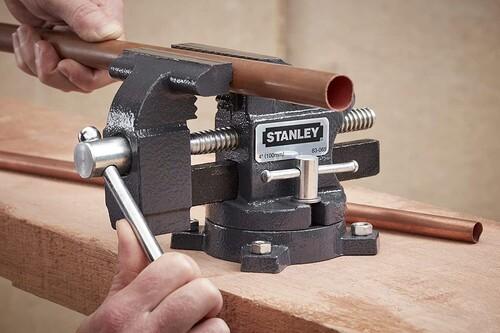 Ofertas en herramientas Black&Decker, Stanley o Einhell en Amazon: hasta 40% de descuento en lijadoras, taladros o sets de brocas